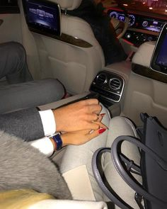 Find images and videos about love, boy and couple on We Heart It - the app to get lost in what you love. Classy Couple, Love Couple, Couple Goals, Rich Couple, Relationship Goals Pictures, Cute Relationships, Paar Style, Luxury Couple, Couple Hands
