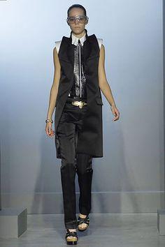high shoulders for the new millennia spring 2007Balenciaga