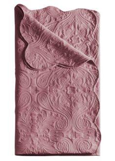Couvre lit rose sur pinterest oreillers roses chambres de filles roses et - Couvre lit aubergine ...