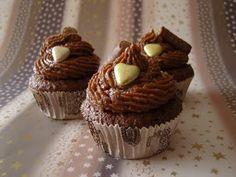 Haselnuss-Schoko-Cupcakes mit Amicelli-Frischkäse-Frosting