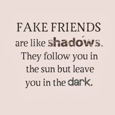 150 Fake Friends Quotes & Fake People Sayings with Images - Friendship - Quotes Fake Friendship Quotes, Fake Quotes, Fake People Quotes, Sarcastic Quotes, Random Quotes, Funny Quotes, Funny Sarcastic, Funny Friendship, Truth Quotes