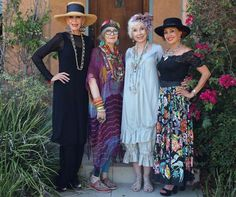 Summer style!! Amazing summer outfits for ANY age and style!! Love the long black tunic and slim pants with matching summer brimmed hat! Wear hats! Lots of jewelry and show your style!