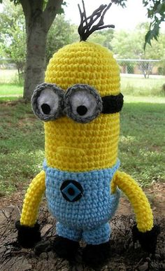 I need to have some serious me time and get pro at crocheting because omar would love this Despicable Me Minion