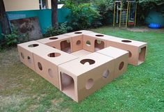 New baby diy activities cardboard boxes ideas Cardboard Box Crafts, Cardboard Playhouse, Cardboard Toys, Cardboard Box Ideas For Kids, Cardboard Castle, Cardboard Furniture, Games For Kids, Diy For Kids, Crafts For Kids