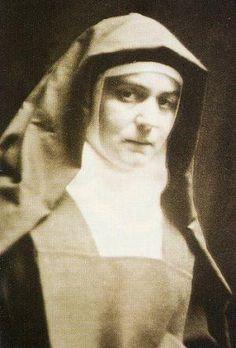 Santa Teresa Benedita da Cruz: De filósofa atéia a fervorosa carmelita