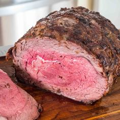 Prime Rib Roast is on my menu for next month. Recipe For The Perfect Prime Rib Roast - Looks pretty close to perfect to me. And, it was so tender that you could almost cut it with a fork! Like buttah! Rib Recipes, Cooking Recipes, Healthy Recipes, Recipies, Recipes Dinner, Lunch Recipes, Delicious Recipes, Think Food, Love Food