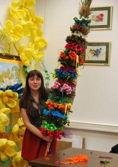 Poland, Christmas Tree, Holiday Decor, Spring, Diy, Dried Flower Arrangements, Palmas, Easter Activities, Teal Christmas Tree
