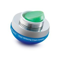 Pearl Whitening Cream: With whitening qualities that gradually reduce freckles and sunspots.