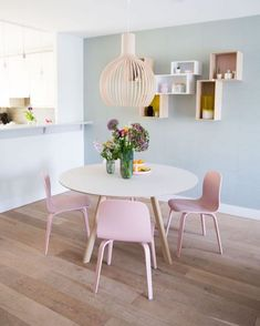 Pastel Living Room, Living Room Sets, Living Room Decor, Dinning Room Tables, Round Dining Table, Open Kitchen And Living Room, Modern Contemporary Living Room, Interior Design Colleges, Simple Interior