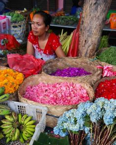 Bali is an island for romantic getaways, ladies-only trips, family vacations, or independent travels. Bali offers the perfect mix of exotic culture, tropical weather and luxury for everyone. Here are 14 tips for eating, praying and loving in Bali.