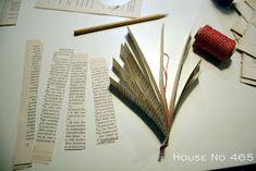 House No Joulukoristeita vanhoista kirjoista Lifestyle, Tableware, House, Home Decor, Dinnerware, Decoration Home, Room Decor, Dishes, Haus