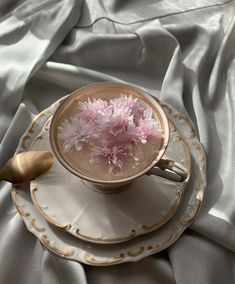 Classy Aesthetic, Aesthetic Food, Aesthetic Light, Aesthetic Vintage, Flower Tea, Flower Aesthetic, Cute Food, Aesthetic Pictures, Tea Set