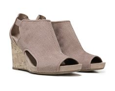 96d2c10ed73d1 The Farrow wedges from LifeStride make tailored