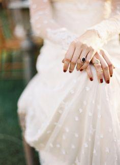 Trumpet and Horn ruby ring | Travis Kaenel Photography | see more on: http://burnettsboards.com/2016/02/burgundy-secret-garden-wedding/