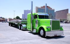 Love these big rigs, especially those that have been customized.  Peterbilt custom.