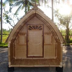 Cabane bambou petite Cocoon Cocoon, Terrace, Gazebo, Shed, Outdoor Structures, Cabin, House Styles, Projects, Home Decor