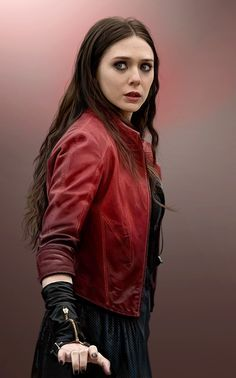 I think MARVEL really needed to include a character with unusual enhanced abilities in their movies. Marvel Dc, Wanda Marvel, Marvel Women, Marvel Girls, Marvel Heroes, Captain Marvel, Scarlet Witch Avengers, Elizabeth Olsen Scarlet Witch, Marvel Photo