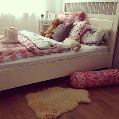 heialina   via Tumblr bedroom idea pink