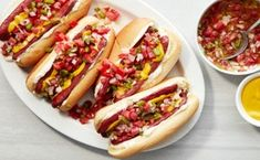 Panchos Argentinos (Argentine-Style Hot Dogs) Hot Dog Recipes, Beef Recipes, Cooking Recipes, Jamaican Recipes, Hot Dog Buns, Hot Dogs, Small Tomatoes, Fresh Salsa, Chicken Piccata