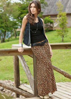 Muslimah Fashion Tips Saia Longa Oncinha - Quintess.Muslimah Fashion Tips Saia Longa Oncinha - Quintess Vogue Fashion, Cute Fashion, Modest Fashion, Look Fashion, 90s Fashion, Unique Fashion, Indian Fashion, Fashion Outfits, Fashion Design