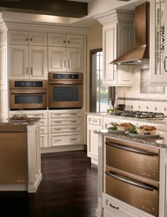 oiled bronze appliances. Kitchen ...