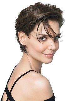 We love the short, boyish look on Katie Holmes #KatieHolmes #hair