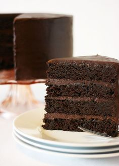 American Mud Cake-this rich, moist cake is full of intense chocolate flavor! | Cake Paper Party