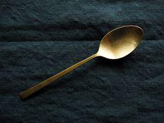 【メール便可】 Naho Kamada  Brass Dessert Spoon -鎌田 奈穂 真鍮 デザート スプーン-   暮らしの道具 8Netz by acht8