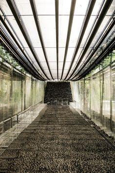 Via promenadedeco Les Cols Restaurant, RCR Arquitectes, Girona, Spain Modern Architecture Design, Landscape Architecture, Interior Architecture, Landscape Designs, Materials And Structures, Water House, Arch Interior, Forest House, Restaurant Interior Design
