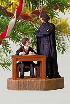 These Harry Potter Christmas ornaments are better than a box of Bertie Botts' Every Flavor Beans. Check out these gorgeous Muggle-approved Harry Potter ornaments in every shape and size. Harry Potter Christmas Decorations, Harry Potter Ornaments, Harry Potter Christmas Tree, Harry Potter Dolls, Harry Potter Magic, Fairy Tea Parties, Tea Party, Harry Potter References, Nutcracker Christmas