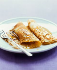 Low-fat cinnamon apple crepes for your holiday AMs