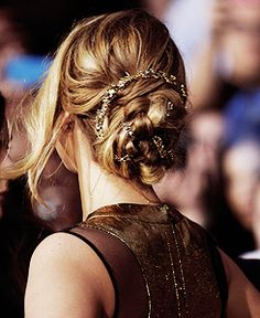 Jennifer Lawrence's hair @ The Hunger Games premiere.
