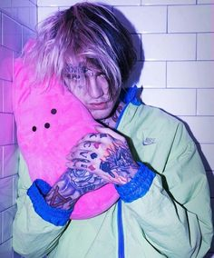 pictures of lil peep Lil Peep Tattoos, Foot Tattoos, Lil Peep Lyrics, Lil Peep Beamerboy, Lil Peep Kiss, Lil Peep Hellboy, Cat Shaming, Goth Boy, Photo Wall Collage