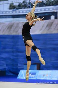 Yana KUDRYAVTSEVA (RUS) Hoop Training