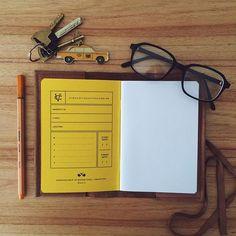 No es sólo un Pocketbook en blanco, es la promesa de algo nuevo que empieza ✏️ #thursday #new #beggining #nuevo #comienzo #pocket #pocketbooks #everyday #everydaycarry #write #start #create #promise #somethingnew  #blankcanvas >> VincentCousteau.com.ar