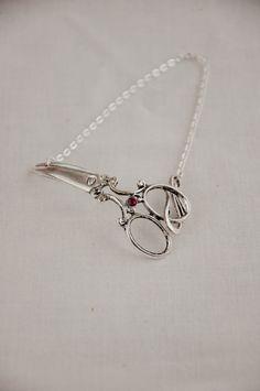 Scissors Bracelet $24.00, via Etsy.