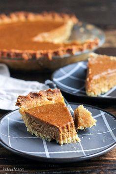 Paleo Pumpkin Pie | Most Loved Thanksgiving Pies of All Time #weightlosstipsforwomen