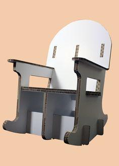 #Schommelstoel van 100% #Karton. Lekker wegdromen met een goed boek in deze schommelstoel. Naar wens kan de stoel bedrukt worden. Alles kan van #Karton!