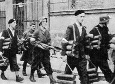 Polish forces carrying PIAT rounds. - Huge Collection Of The Warsaw Uprising Photos 18 Page 2 of 3 Best of Web Shrine