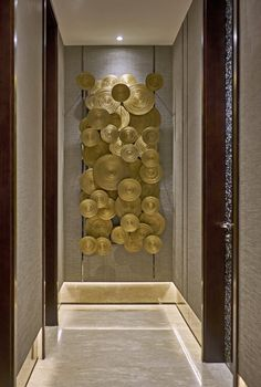 Amazing Contemporary Tips To Design Your Entrance Foyer – InkARCH Associates Foyer Design, Lobby Design, Entrance Foyer, Entryway Decor, Metal Walls, Metal Wall Art, Metal Wall Decor, Interior Decorating, Interior Design