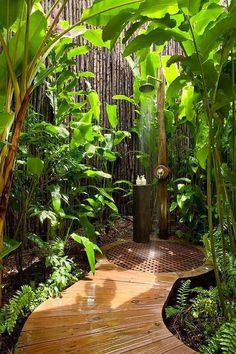 Garden Shower Screening - Ideas for the Outdoor Shower Wanted? - Garden Shower Screening – Ideas for the Outdoor Shower Wanted? Outdoor Baths, Outdoor Bathrooms, Outdoor Rooms, Outdoor Gardens, Outdoor Living, Outdoor Decor, Indoor Outdoor, Outdoor Bedroom, Rustic Outdoor