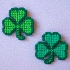 Plastic+Canvas:+Springtime+Shamrock+Magnets+by+ReadySetSewbyEvie