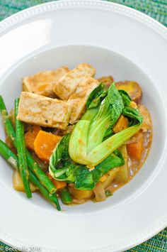 Vegan Kare Kare Kare Kare Recipe, Phillipino Food, Vegan Food, Vegan Recipes, Filipino Recipes, Pinoy, Plant Based Recipes, Beets, Thai Red Curry