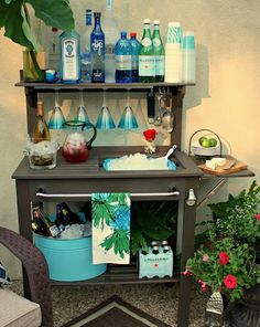potting bench turned into outdoor bar. Love it!