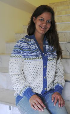 Frem fra glemselen — Hjertebank Knit Jacket, Sweater Jacket, Norwegian Knitting, Fair Isle Knitting, Fair Isles, Yarn Crafts, Submissive, Women, Diys