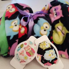 Little Hootie Germ Freak Designer  Baby Blanket Set- This beautiful little sleepy owl print blanket is made with soft fleece outer facing and lined with a soft flannel backing. It includes two pillows and two newborn Germ Freak Designer Face Masks.