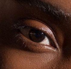 Brown Eyes Aesthetic, Aesthetic Colors, Aesthetic Pictures, Dark Brown Eyes, Brown Skin, Brown Beige, Dark Fantasy, Maquillage On Fleek, Brown Wallpaper