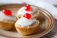 Mini Bakewell Tarts - A British classic goes bite-sized in these adorable mini tarts filled with jam and frangipane and covered with a snowy white icing. Mini Desserts, Delicious Desserts, Easy Desserts, Tart Recipes, Sweet Recipes, British Desserts, Bakewell Tart, British Baking, Sweet Tarts