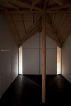 Love Architecture Inc. - Cross house, Koganei 2011.