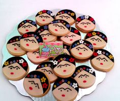 "Galletas decoradas de ""Frida Kahlo"" /cookies. Elaboradas en POP PASTELERIA"